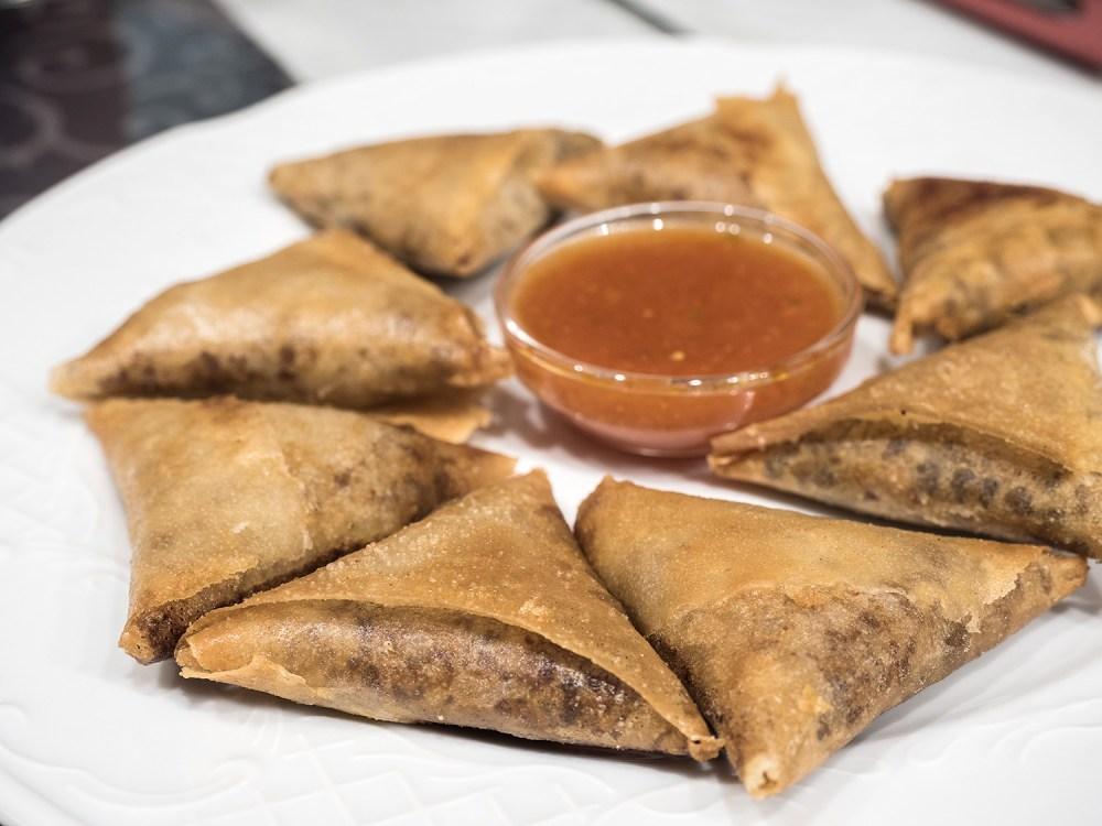etiopia-street-food-madrid-tragaldabas-profesionales-sambusas-hanan