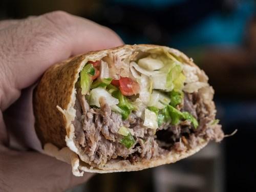 libano-street-food-madrid-tragaldabas-profesionales-durum-shawarma-yunie
