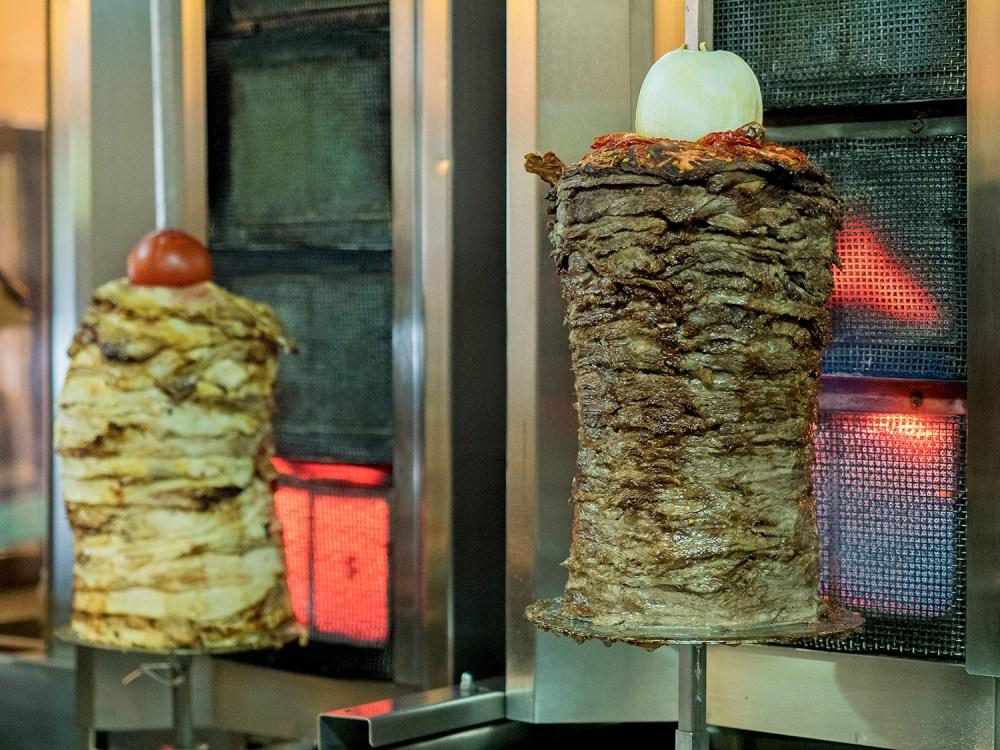 libano-street-food-madrid-tragaldabas-profesionales-shawarma-yunie