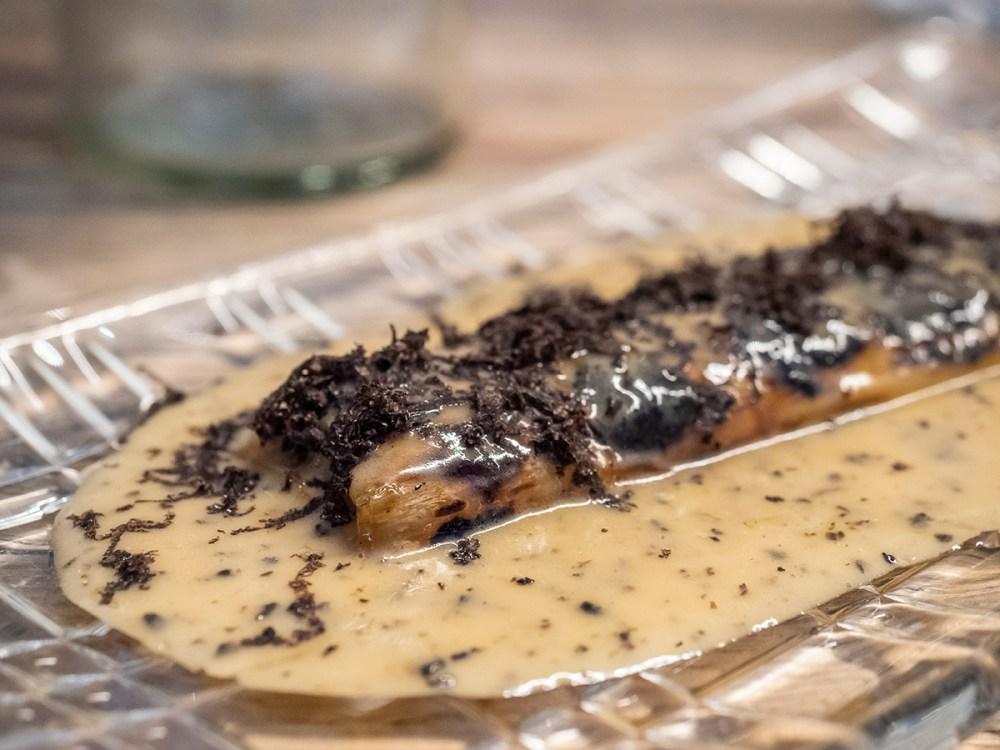 restaurante-efimero-madrid-puerro-braseado-con-meuniere-trufada
