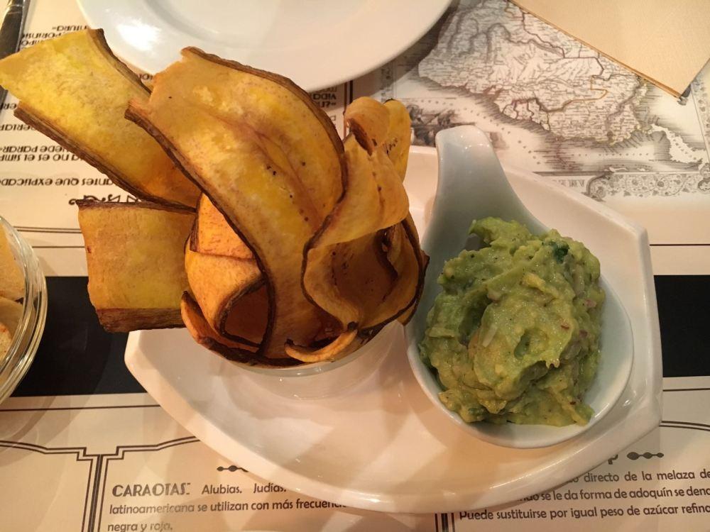 Tostones con Guacamole