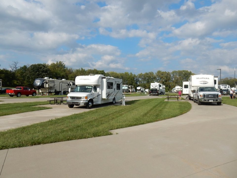 Deer Creek Valley RV Park - sites
