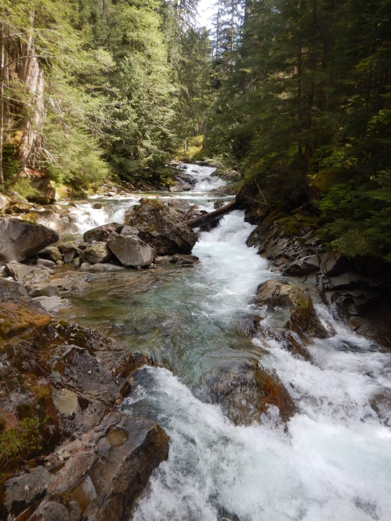 Heading up valley along the beautiful Snoqualmie