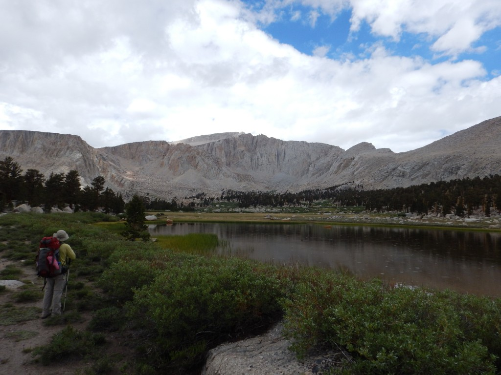 Arriving at the first Cottonwood Lake and enjoying the fantastic views! And also some sprinkles...