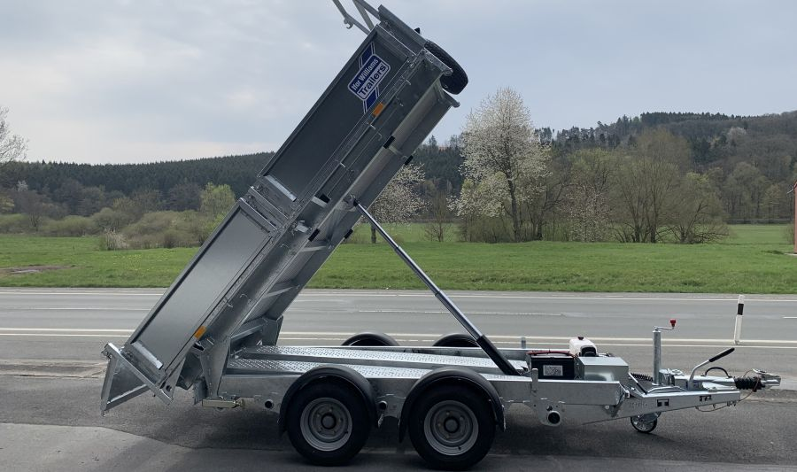 Ifor Williams TT3017 hochgekippt