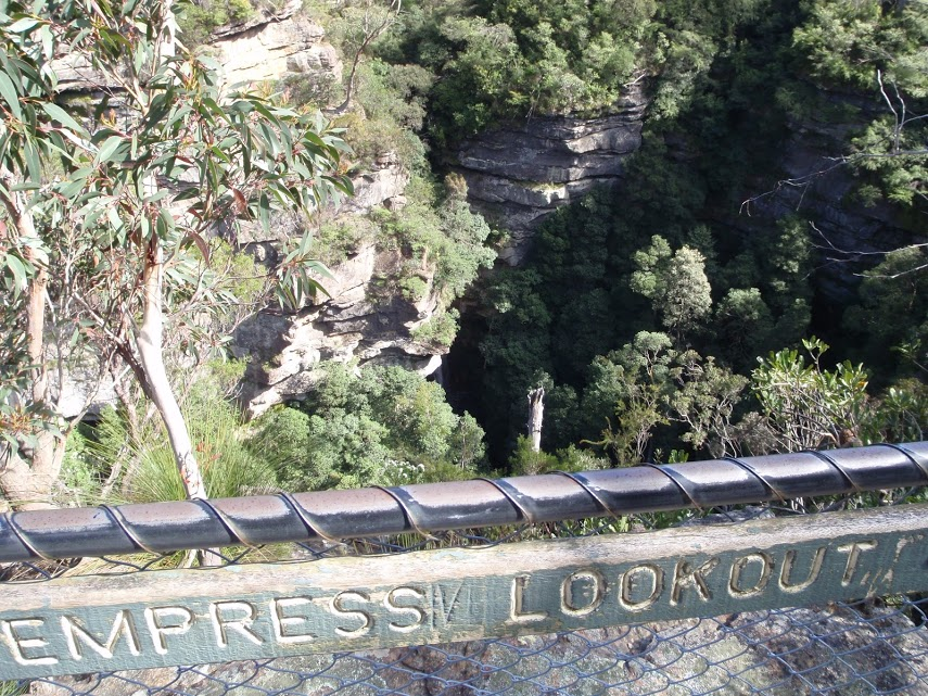Conservation Hut to Empress Lookout