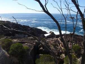 Kianiny Bay to White Horse Bay lookout