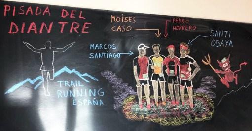 Mural en el hotel con el logo de Trail Runnin España