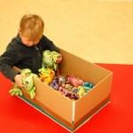 Phát triển cảm giác cho trẻ có hội chứng down: Phần 6-Chơi với các loại hạt