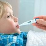 Chăm sóc trẻ sốt virus tại nhà