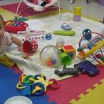 Bí quyết chọn đồ chơi cho trẻ từ 0 – 18 tháng tuổi