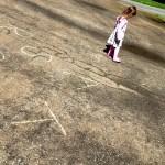 Hoạt động ngoài trời cho bé lứa tuổi mẫu giáo: Trò chơi với chữ cái