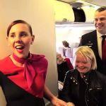 Ngôi sao truyền hình Lauren Potter được chào đón trên chuyến bay hãng Qantas (Úc