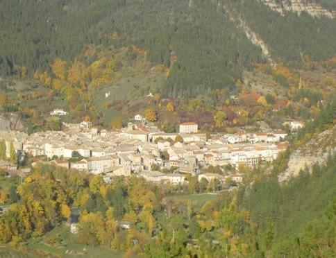 Le caveau Châtillon-en-Diois (26) - Héliport