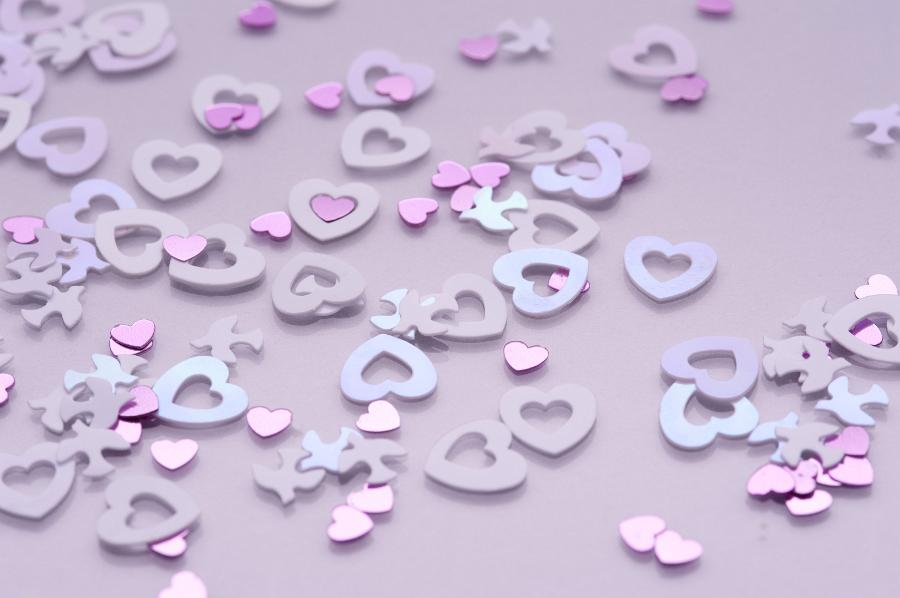 wedding confetti hearts and doves