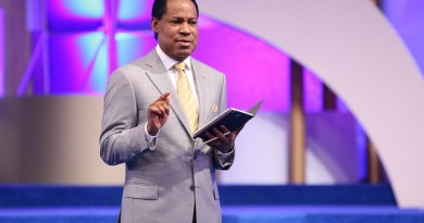 Vote for who has knowledge of business or economy – Pastor Chris Oyakhilome advise