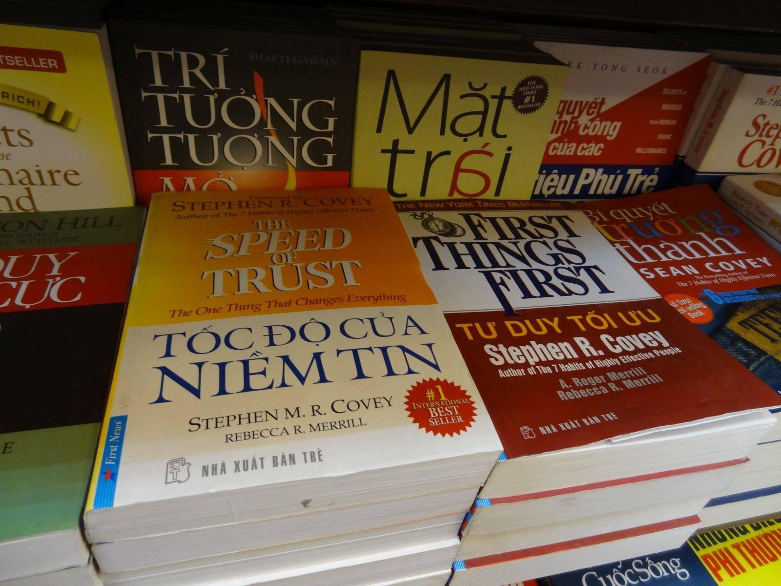 Angielskie tytuły w wietnamskich wydaniach