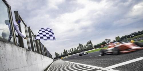 Fotografia de uma pista de corrida
