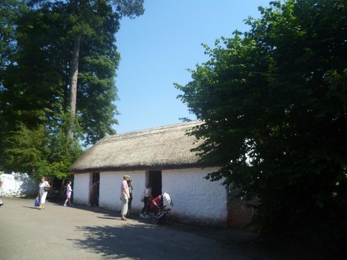 St Fagans National History Museum Sain Ffagan Amgueddfa