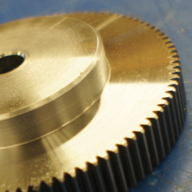 Metric Spur Gears in Moulded HOSTAFORM®, 2.5 MOD, 20° P.A