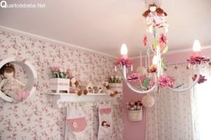 decoracao quarto menina com bonecas 4