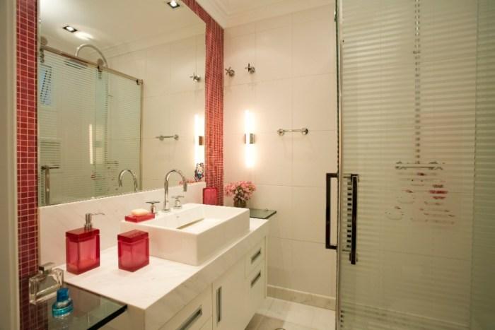 abuse dos espelhos Banheiro Pequeno Decorado