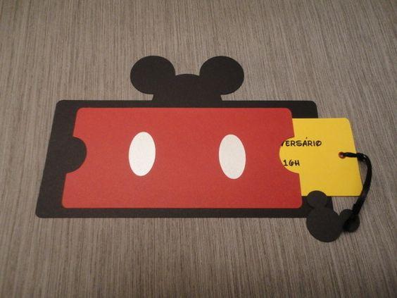 Os convites para a festa do Mickey