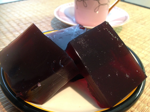 Recipe for homemade gelatin dessert, make your own jello sugar-free, simple jello blocks, coconut milk jello