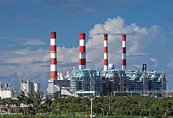 Флоридадағы электр және жеңіл электр станциясы. Порт Эвергладд, Флорида, АҚШ. Бұл электр станциясы төрт блоктан тұрады және газ бен мұнаймен жұмыс істейді.