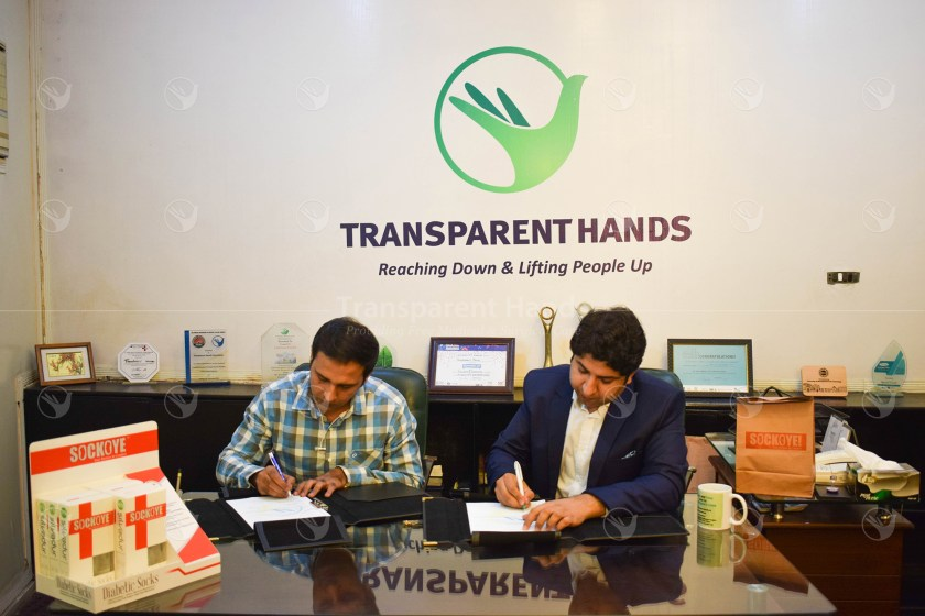 """Transparent Hands has Collaborated with SockOye for """"COMFORTING LIVES"""" Campaign MOU"""