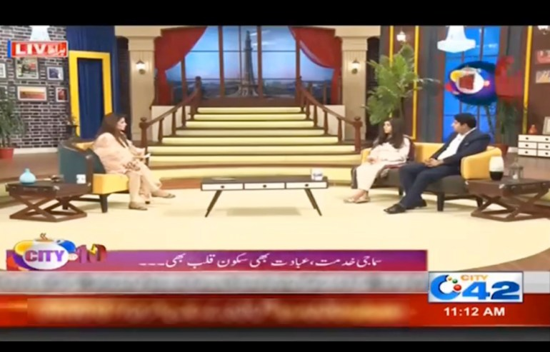 Director Operation Raheel Abbas in discussion with the host of city 42
