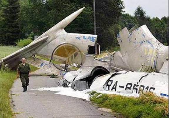 Restos del Tu-154 involucrado en el accidente del Lago Constanza.