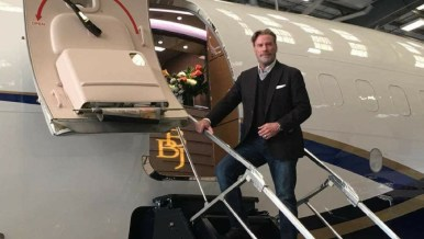 JOHN TRAVOLTA-BOEING 737 BBJ-N839BA-01