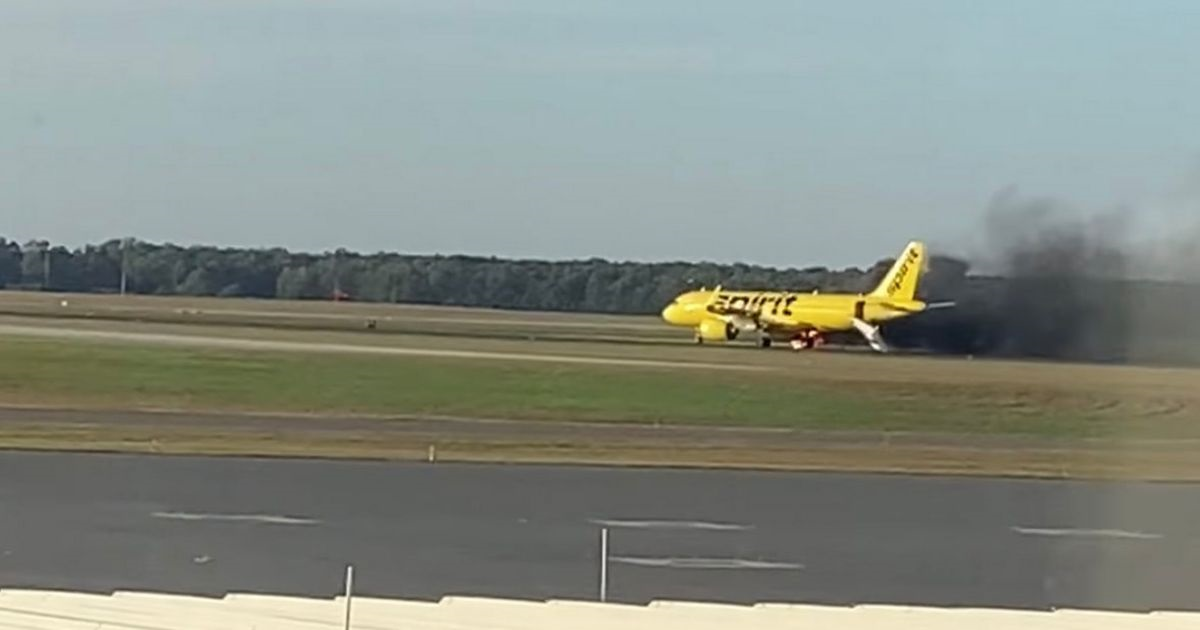 SPIRIT-AIRLINES-AIRBUS-A320-N922NK(4)
