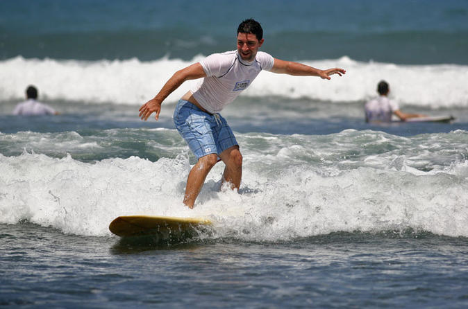 surfing-lessons-in-jaco-beach-in-jaco beach