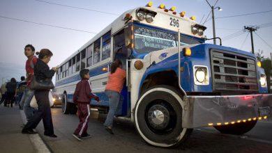 Photo of Anuncian bloqueos en frontera con EU; rechazan cambios de transporte público en Tijuana