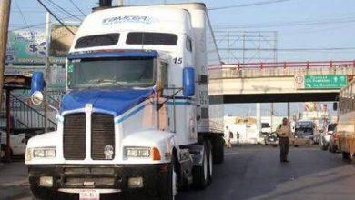 Photo of Transportistas analizan amparos contra restricciones en Nuevo León