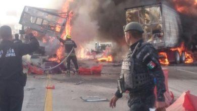Photo of (VIDEO) Cerrada la México – Querétaro por choque de camiones