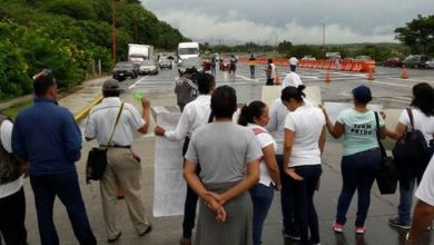 Photo of 12 bloqueos a carreteras en Veracruz estrangulan transporte