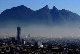 "Photo of Monterrey cerca de aplicar ""hoy no circula"""