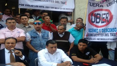 "Photo of Taxistas del AICM piden ""piso parejo"" con Uber y Cabify"