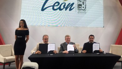 Photo of Freigthliner firma convenio con Canacar