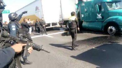 Photo of (Video) Balean policías a camión TUM en Circuito Exterior Mexiquense