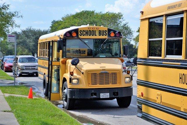 Quel moyen de transport choisir pour emmener vos enfants à l'école?