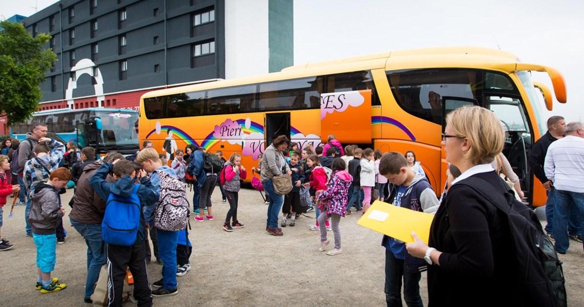 Sortie scolaire : quelle formule choisir pour la location de bus?