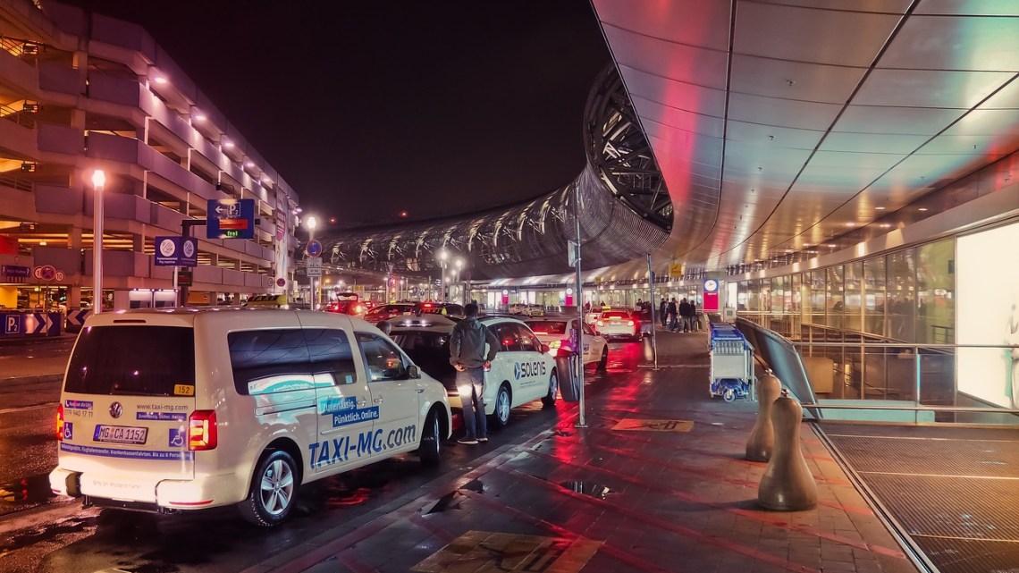 Taxi tourisme : la solution idéale pour vos déplacements touristiques à Lyon