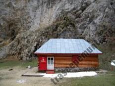prapastiile-zarnestilor_refugiul-salvamont