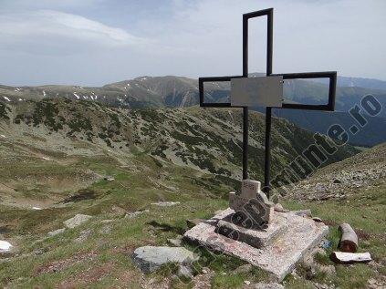 Crucea Ateneului_Refugiul Iezer