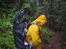 Pelerina pentru rucsac de transport copii pe munte
