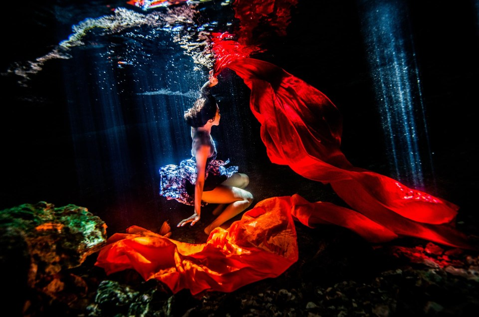 Shooting underwater – Asian model – Cathy
